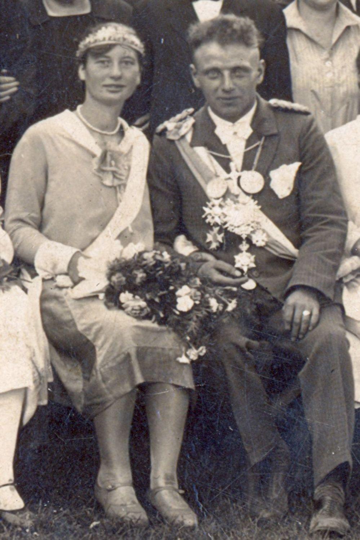 1930 Schützenkönigspaar Scholle - Knust a